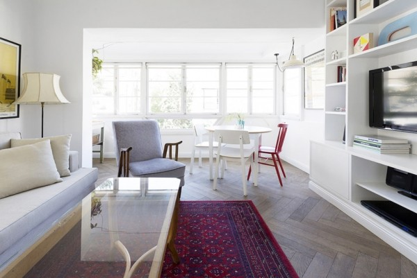 daylight-apartment-interior-with-pure-white-wardrobe-cabinet-04