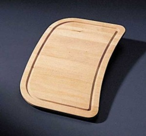 WOODEN CUTTING BOARD S1010