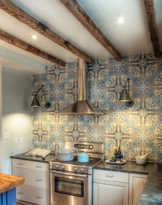 6 Types Of Small Apartment Kitchen Tile Colors 06