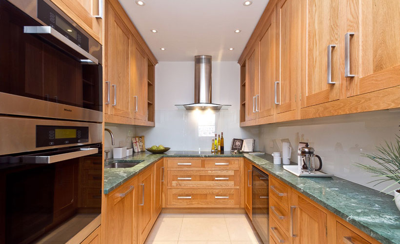Classic Solid Wood Kitchen Cabinet Design For Apartment